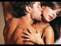 Đạp tung cửa phòng ngủ thấy chồng ôm ấp gái lạ, nhưng biết danh tính tôi lại bật cười trong sự ngỡ ngàng của cả 2
