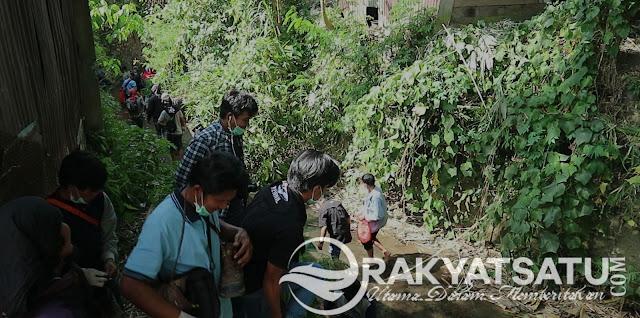 Tanggalkan Sepatu Gunung, KPA Toraja Bersihkan Sampah Masyarakat Makale
