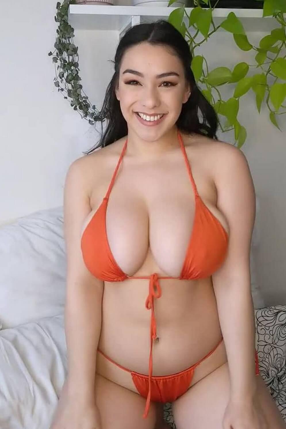Vyzuba Big Tits Blog: Enjoy amazing big tits reveal from