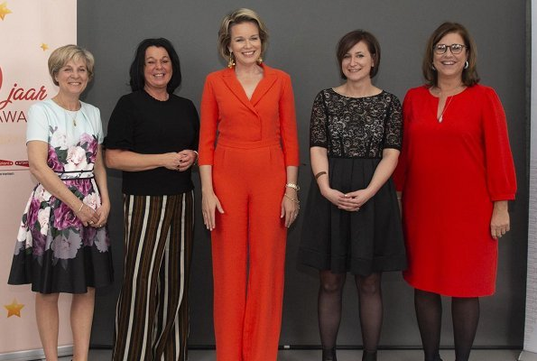 Queen Mathilde wore Natan Jumpsuit. Womed Zuid Award was given to Carmen Perdomo from El Salvador
