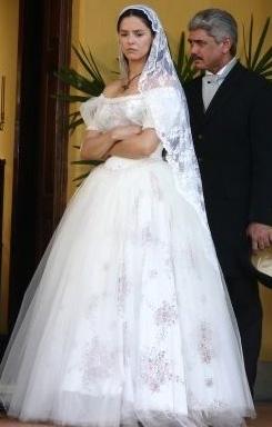 Cena Isaura fuga do casamento