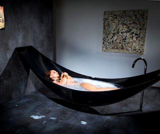 floating-hammock-bathtub
