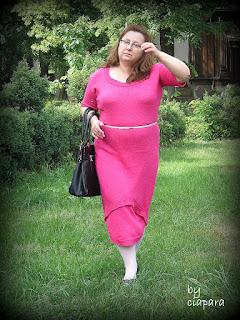 http://mojerobotkowanie.blogspot.com/2015/06/vestido-combinado-sukienka-dzianinowa.html