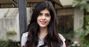 Sanjana Sanghi Wiki | Age | Family | Net worth | Bio | Boyfriend | Salary | DOB