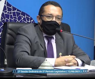"""Em Sapé presidente da Câmara diz que  há três prefeitos: """"um de direito e dois de fato"""""""