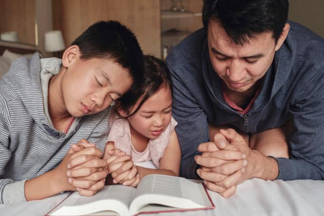 Penting, Orang Tua Katolik Harus Lakukan Hal Ini Agar Anak Tidak Pindah Agama