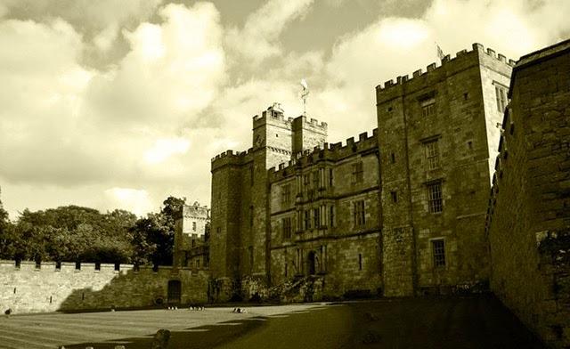 castelos assombrados, fantasmas, assombrações