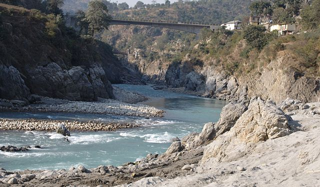 Tattapani Hot Water Spring near Sutlej River