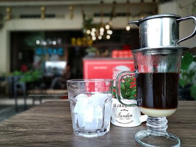 Vietnamdrip es robusta Temanggung di Yasmin Burger Tasikmalaya