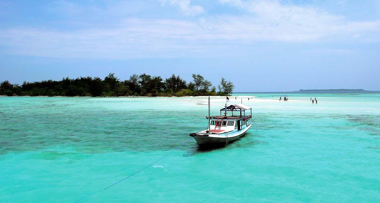 Tempat Wisata Pantai Di Jawa Tengah Dengan Pemandangan ...