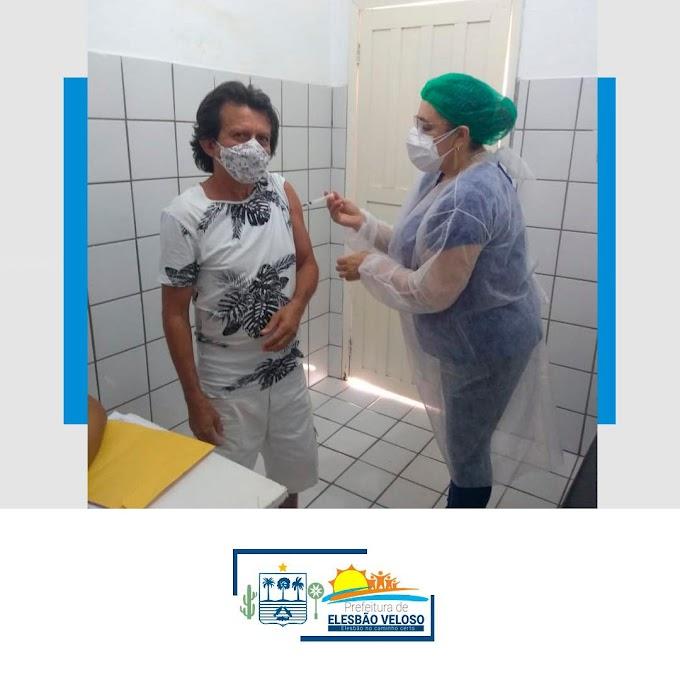 55 a 59 ANOS- Vacinação de profissionais da Educação contra a Covid-19 em Elesbão Veloso.