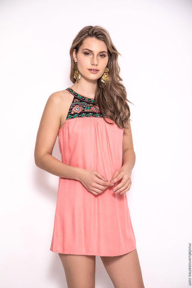 Vestidos cortos de verano 2020. Moda mujer primavera verano 2020.