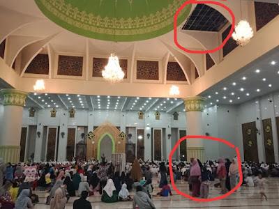 Diguyur Hujan Lebat, Atap Masjid Agung Bocor dan Basahi Lantai