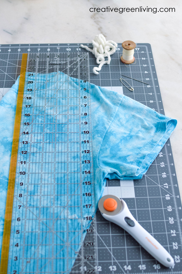 How to make your own DIY reusable shopping bags from t-shirts
