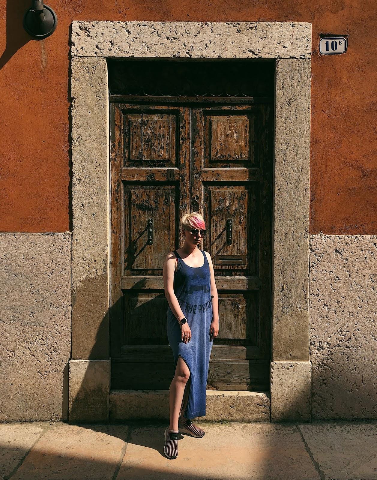 Modepol Welche Schuhe Zum Blauen Kleid Kombinieren
