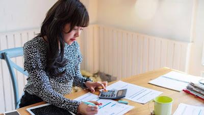 4 Tips Cerdas Mengatur Keuangan sebagai Ibu Rumah Tangga