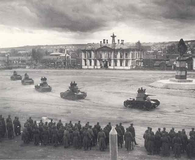 Finnish tanks 12 October 1941 worldwartwo.filminspector.com