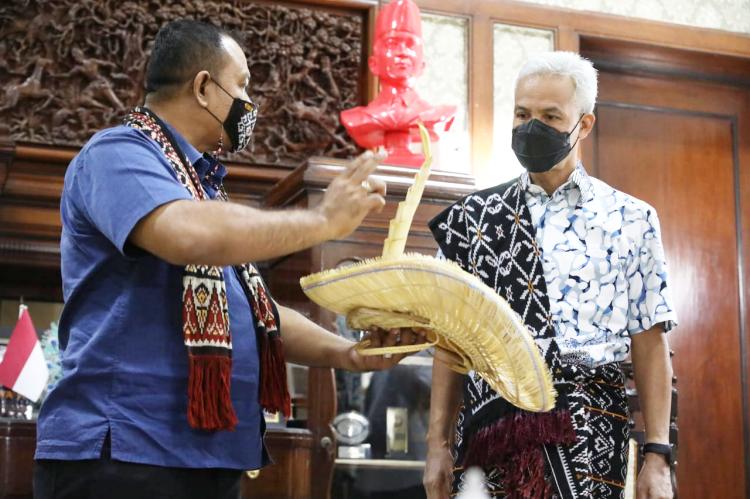 Terima Kunjungan Raja Rote, Ganjar Ingatkan Kembali Peran Penting Rote dalam Kelahiran Pancasila