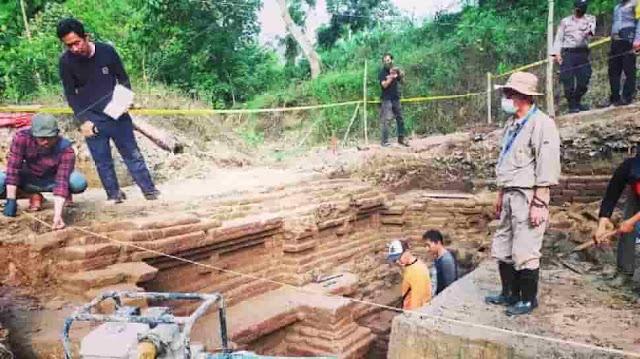 Kedalaman Lantai Dasar Patirtan Kuno Brumbung, Kepung 2 Meter Lebih