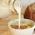 Cara Melawan Kepikunan dengan Susu di Campur Santan