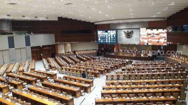 Mengesahkan, Tapi Anggota DPR Belum Bisa Akses Draf Final UU Cipta Kerja?
