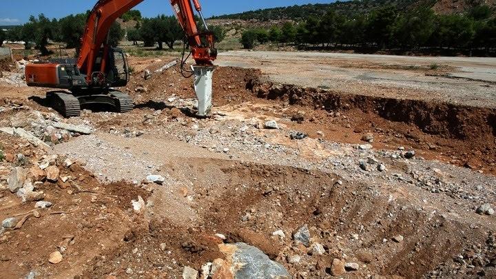 Η Περιφέρεια Θεσσαλίας καθαρίζει ρέματα και χειμάρρους στη Μαγνησία