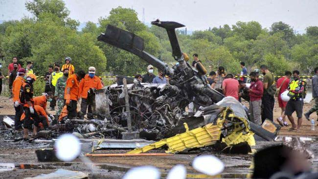 4 Orang Meninggal Saat Helikopter TNI AD Jatuh di Kendal