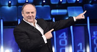 Gerry Scotti dona 5mila euro a giovane liutaio: «Lo porterò sempre nel cuore»