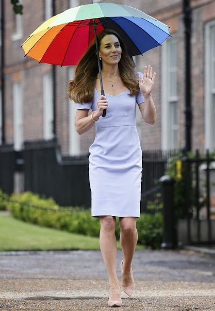 Kate Middleton wore a new Iris blue stretch-crepe shift dress from L.K.Bennett x Royal Ascot