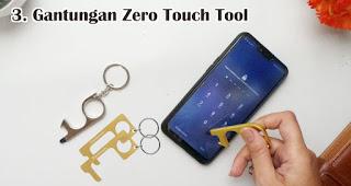 Gantungan Zero Touch Tool bisa menjadi pilihan souvenir natal selama pandemi