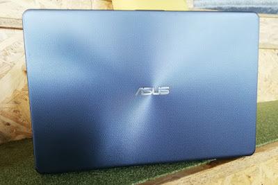 Cover ASUS VivoBook X505Z