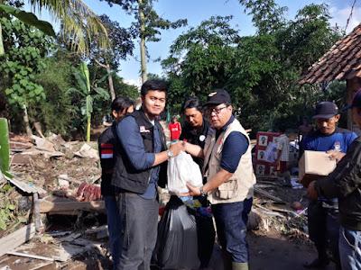ACT Lampung Salurkan Bantuan untuk Warga Terdampak Banjir Pesawaran