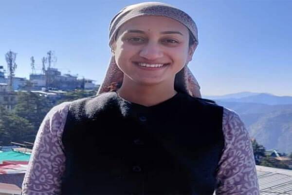 4-year-old-reena-became-sarpanch-of-chamba-22-year-old-jagriti