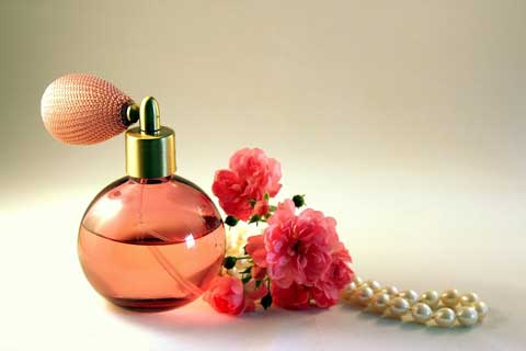 kado pernikahan untuk saudara perempuan parfum