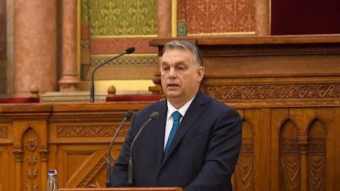 Orbán Viktor: Lezárjuk a határokat, a rendezvényeket betiltjuk, háromkor zárnak az üzletek, éttermek