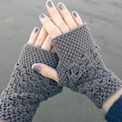 Chunky Fingerless Gloves - Free Pattern