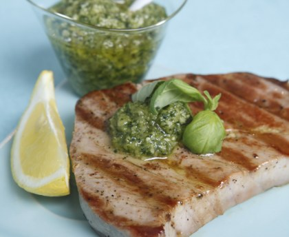 Roasted tuna with fresh pesto