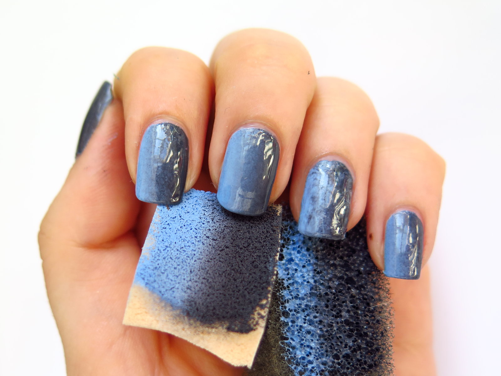 czy gąbka do zmywania naczyń do ombre jaka gradient na paznokciach