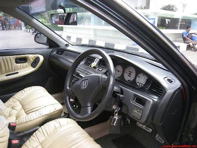 Interior Mobil Honda Genio