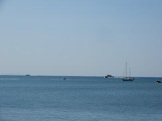 サレルノのルンゴマーレから撮った海