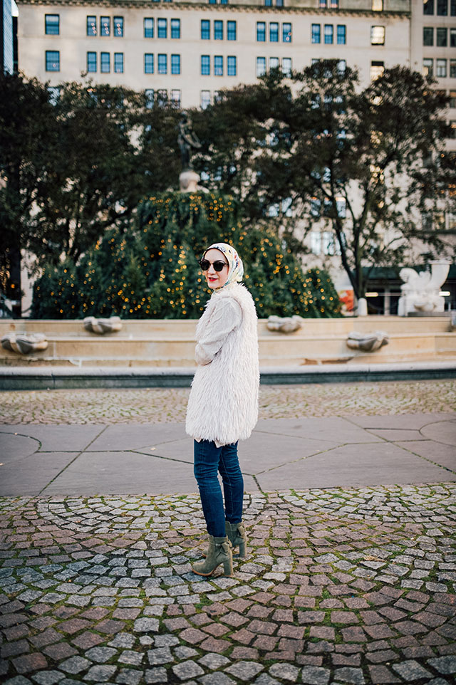 Faux Fur Vest-Bow-Back Bootie-Fall Outfir-NYC-Hijab Blogger