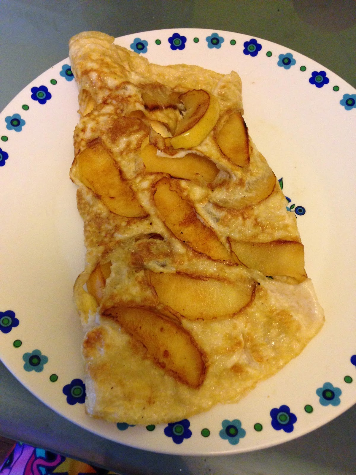 Apple omelette - healthy, clean breakfast ideas and recipes