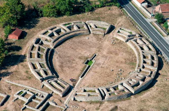 Buildings in ancient Roman capital of Dacia to be restored