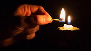 Escuridão repentina: o que dizem os presságios, se as lâmpadas queimarem