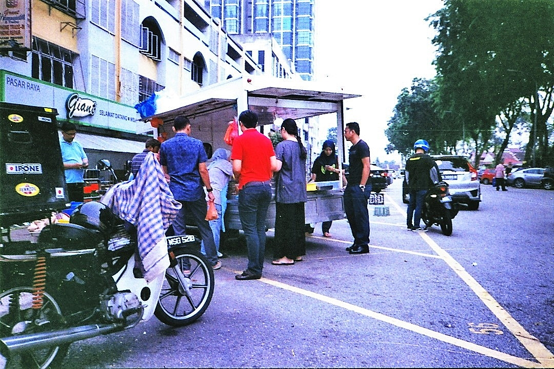 Street Scenes, Yashica Minitec AF 02