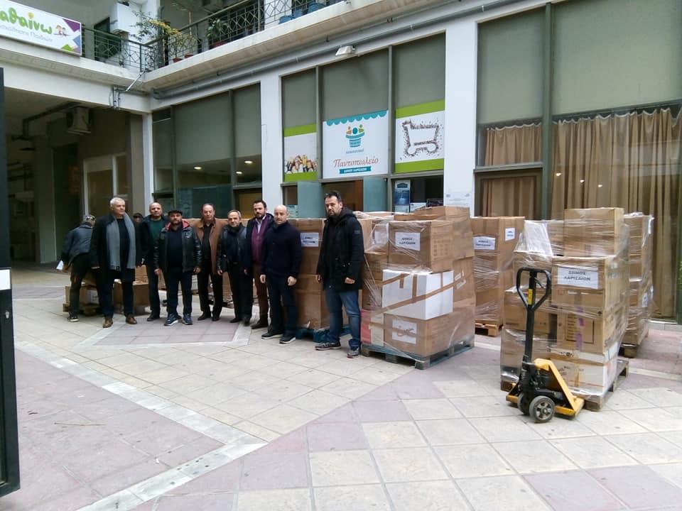 Ανθρωπιστική βοήθεια στους σεισμοπαθείς στο Δυρράχιο της Αλβανίας (ΦΩΤΟ)