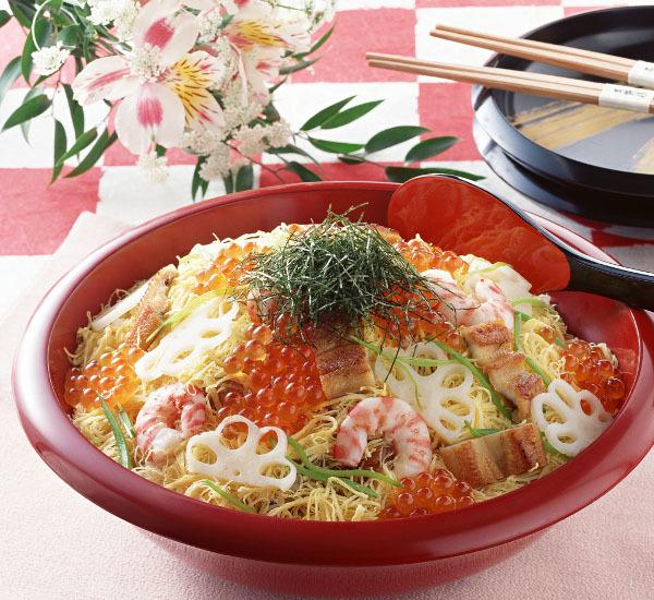 Kenali Lebih Dekat 7 Jenis Sushi Populer Ini. Mana favoritmu?Kenali Lebih Dekat 7 Jenis Sushi Populer Ini. Mana favoritmu?