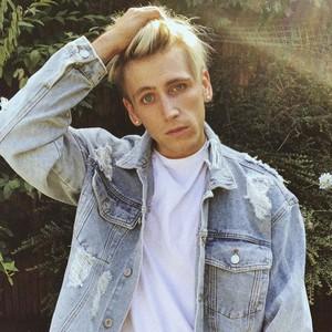 Connor Darlington Age | Wiki, Net worth, Bio, Height, Girlfriend ?