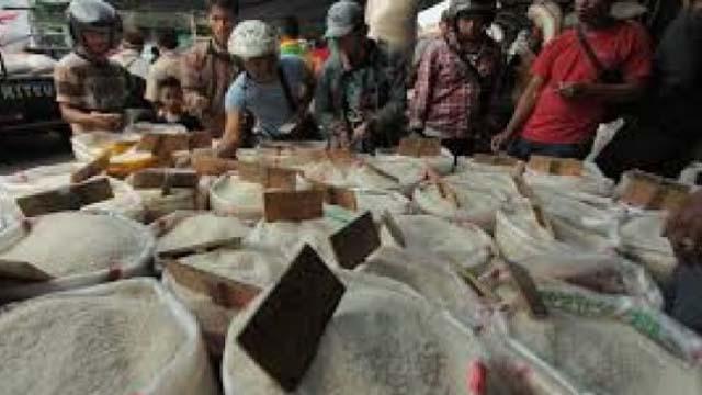 Pedagang Resah; Beras Murah Vietnam Banjiri Pasar Induk Cipinang