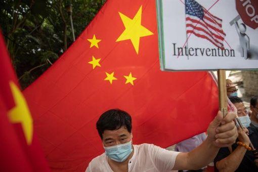 """China califica de """"patéticas"""" sanciones de EE.UU. en su contra"""